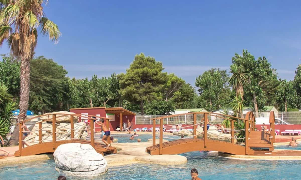 Camping-Les-Peupliers-Canet-en-Roussillon-zwembad-2