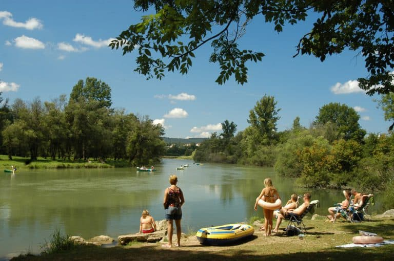 Camping Le Moulin Patornay rivier 2 768x510