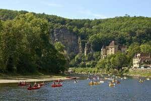 Camping-Frankrijk-aan-een-rivier