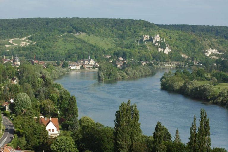Camping de l Ile des 3 Rois Seine rivier 768x510