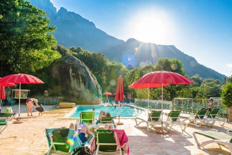 Camping Funtana a Ora in Ota op Corsica zwembad 768x512