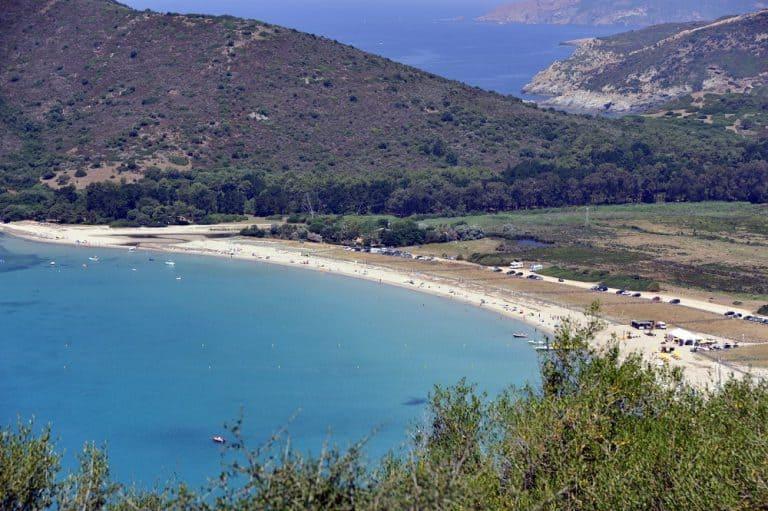 Camping Torraccia in Cargèse op Corsica zee 768x511