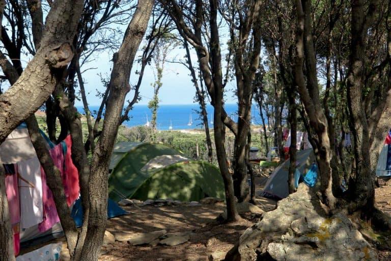 Camping Isulottu in Morsiglia op Corsica staanplaatsen 768x512