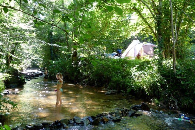 Camping Moulin De Liort Aveyron aan rivier 768x512