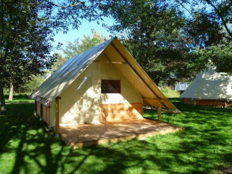 Camping Les Chelles lodgetent huren 768x576