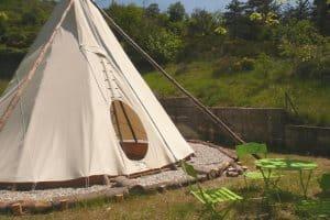 Tipi huren op een camping