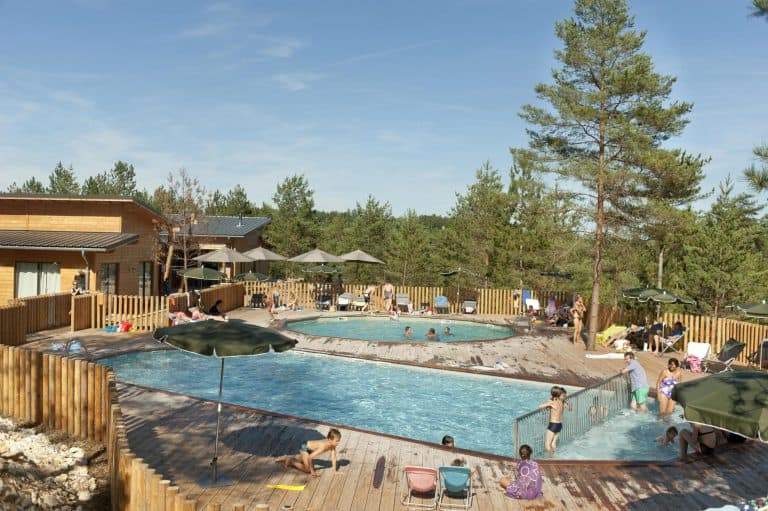 Camping Huttopia Lanmary zwembad 768x511