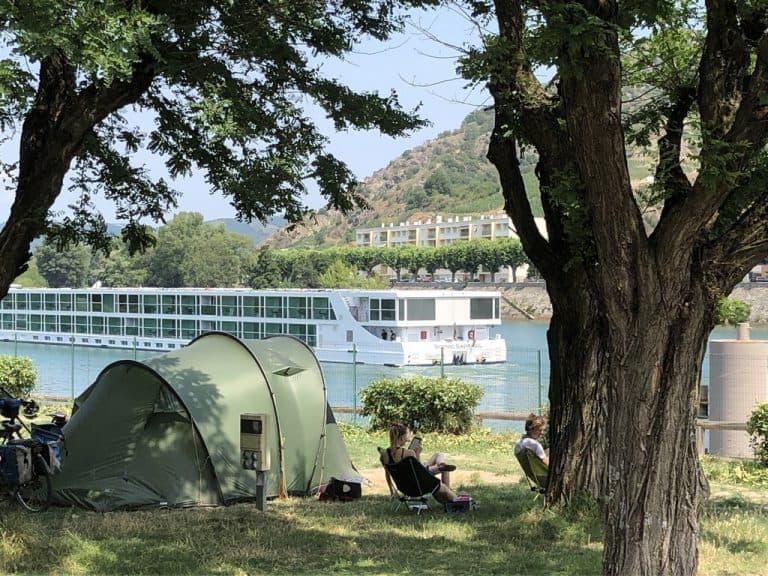 Camping Le Rhone staanplaatsen 768x576