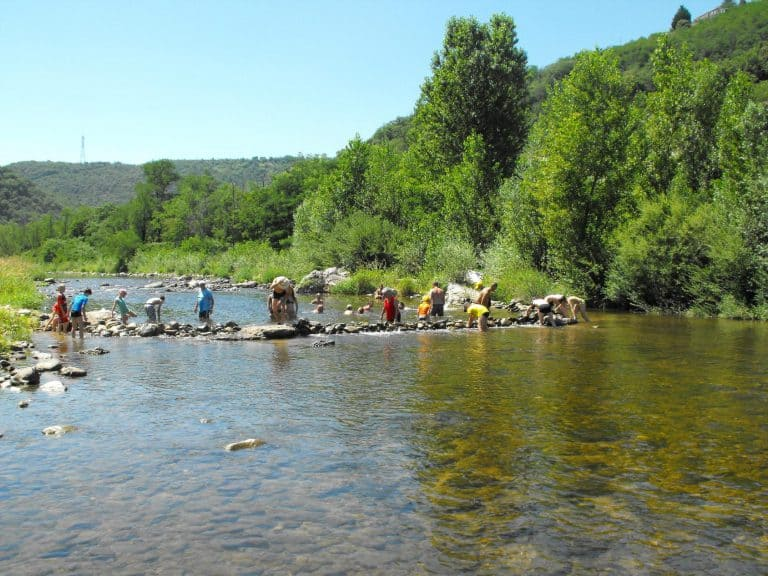 Camping Les Acacias Ardeche rivier le Doux 768x576