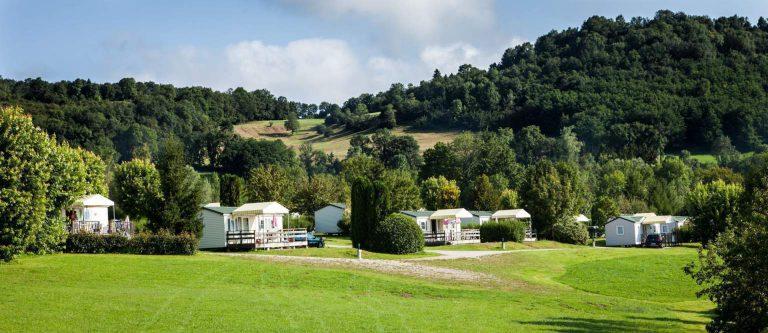 Camping Domaine de l Epinette stacaravan huren jura 768x333