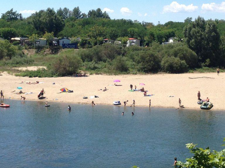la plage camping le Riviera 768x576